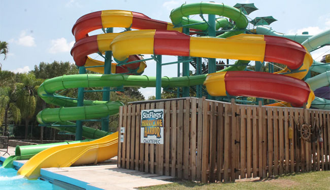 Contacta a Balneario Six Flags Hurricane Harbor