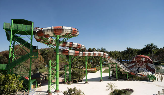 six_flags_hurricane_harbor